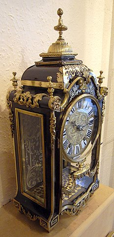French boulle mantel clock Louis XIV style - side