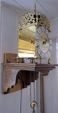 Click here to see more detail of a reproduction lantern clock